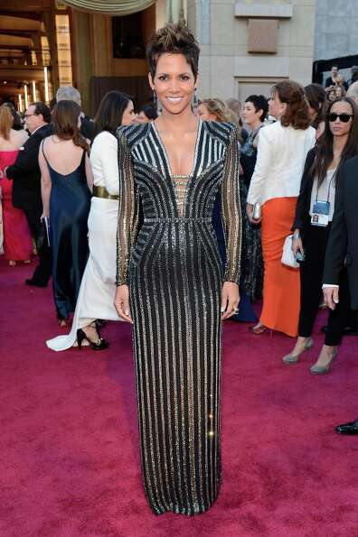 Actress Halle Berry arrives at the Oscars at Hollywood & Highland Center on February 24, 2013 in Hol