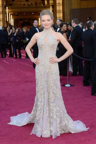 HOLLYWOOD, CA - FEBRUARY 24:  Actress Amanda Seyfried arrives at the Oscars at Hollywood & Highland Center on February 24, 2013 in Hollywood, California.  (Photo by Kevork Djansezian/Getty Images)