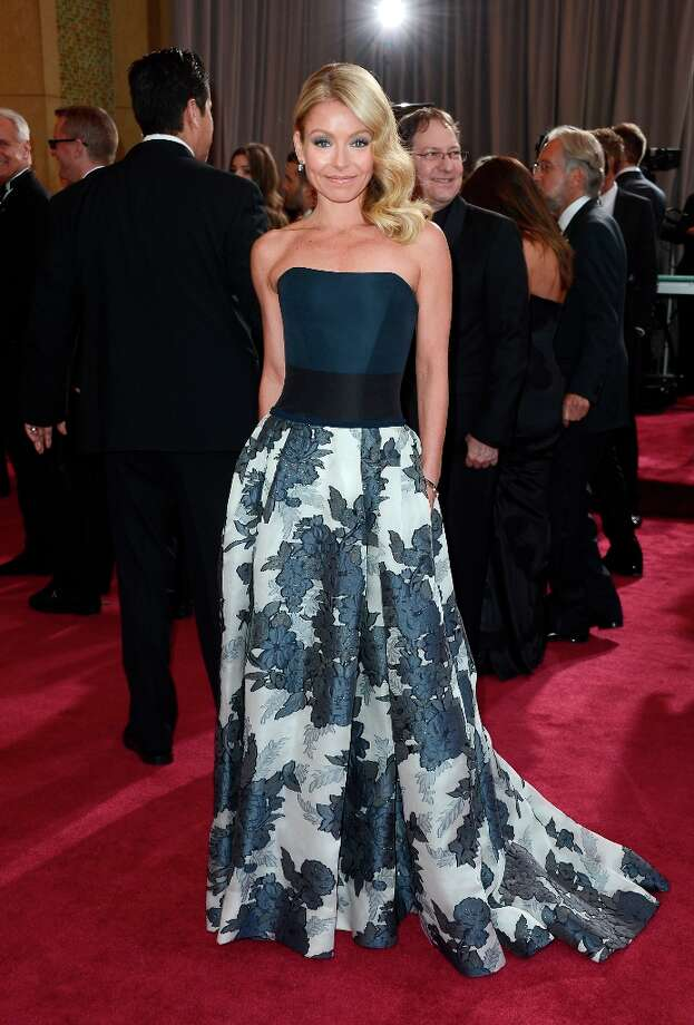 TV personality Kelly Ripa arrives at the Oscars at Hollywood & Highland Center on February 24, 2013 in Hollywood, California. Photo: Frazer Harrison, Getty Images / 2013 Getty Images