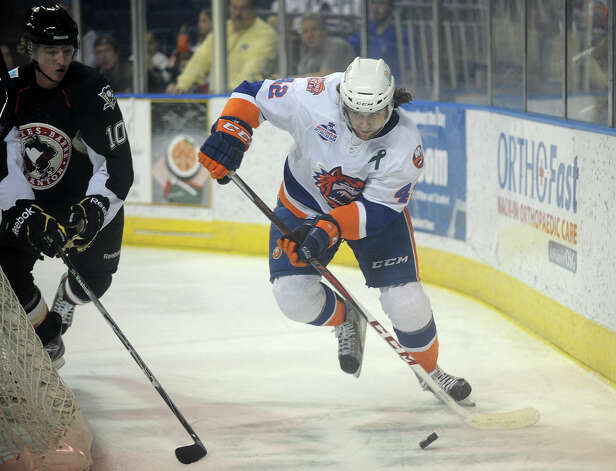 Bridgeport Sound Tigers v. Wilkes-Barre/Scranton AHL hockey at the Webster Bank Arena in Bridgeport on Sunday, February 24, 2013. Photo: Brian A. Pounds