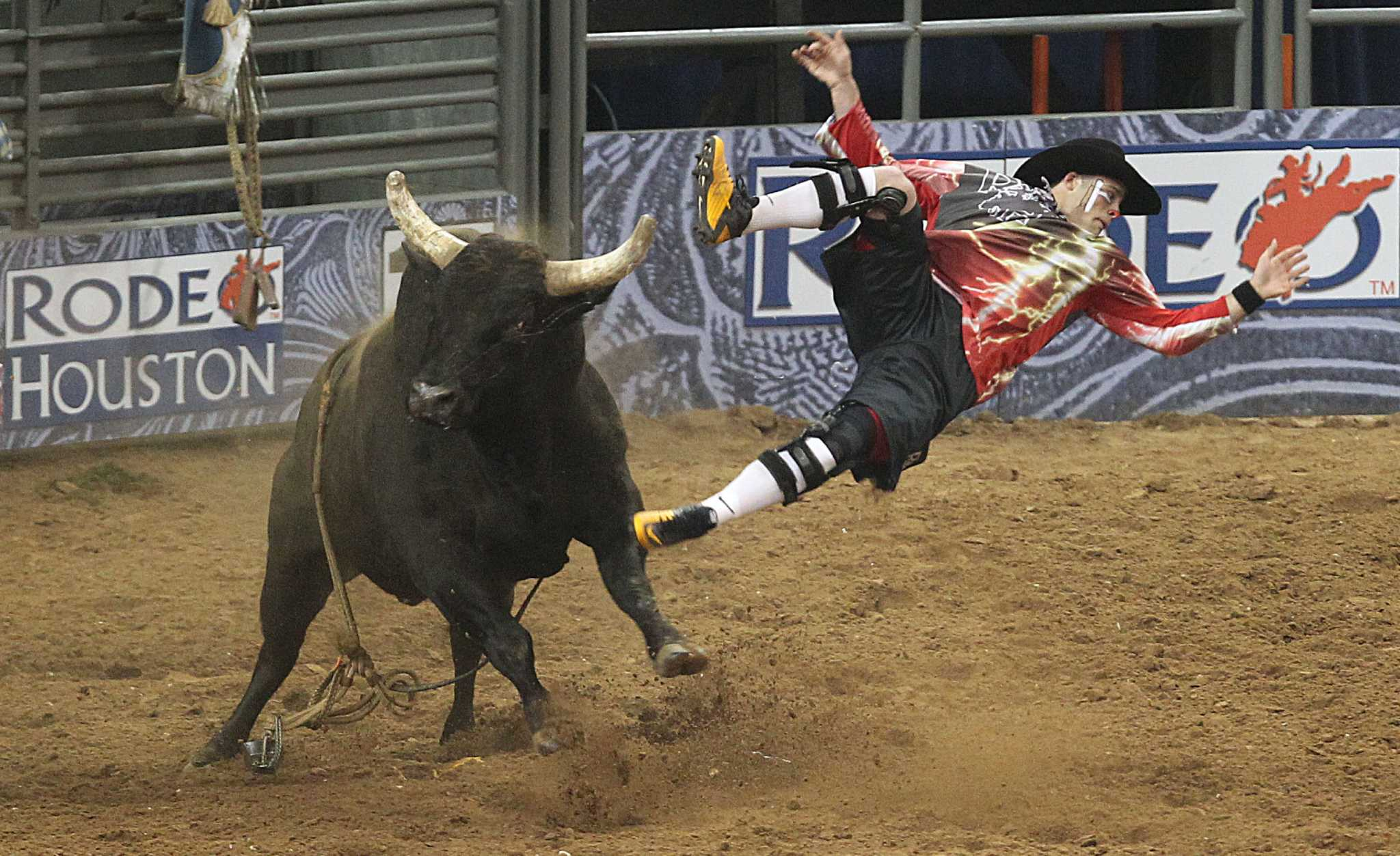 Bullfighting No Laughing Matter For Rodeo Clowns