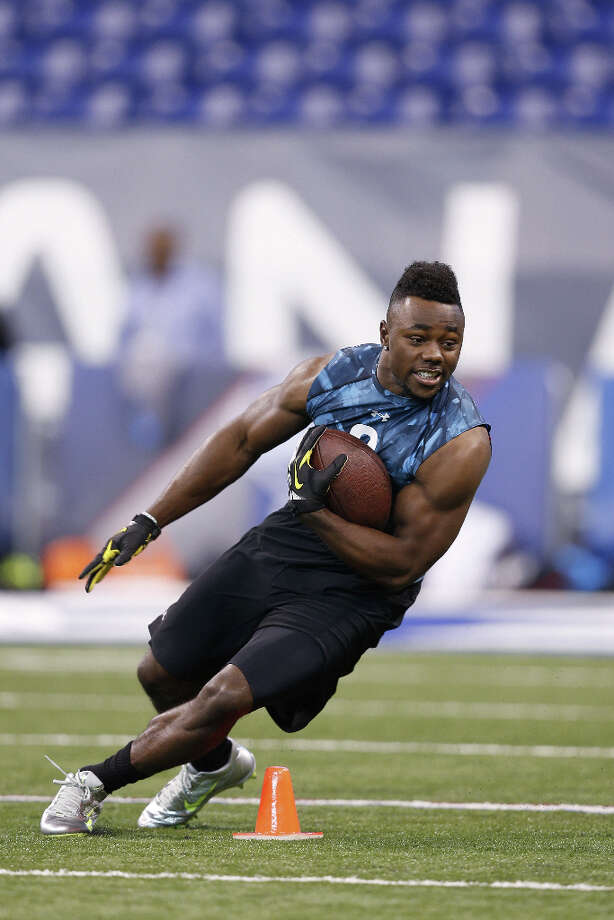 Kenjon Barner of Oregon shows his cutting ability. Photo: Joe Robbins, Getty Images / 2013 Getty Images
