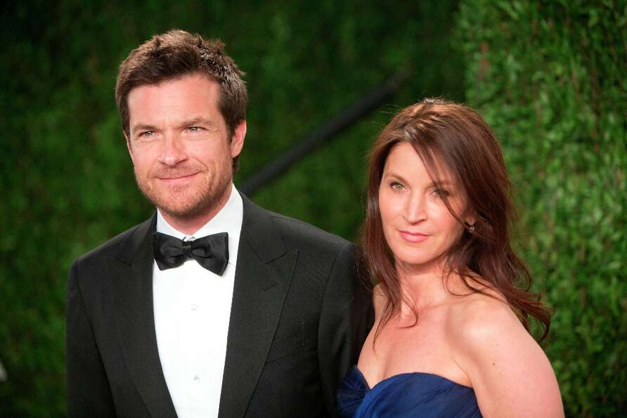 Jason Bateman arrives for the 2013 Vanity Fair Oscar Party on February 24, 2013 in Hollywood, Califo