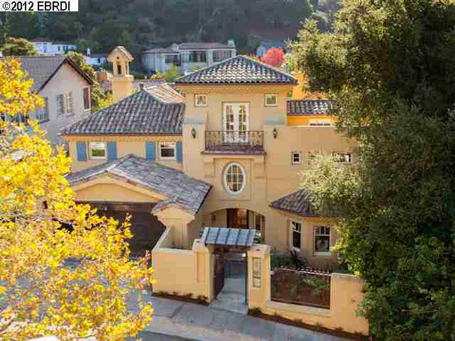 The Melvins paid $2.3 million for this Claremont Hills home