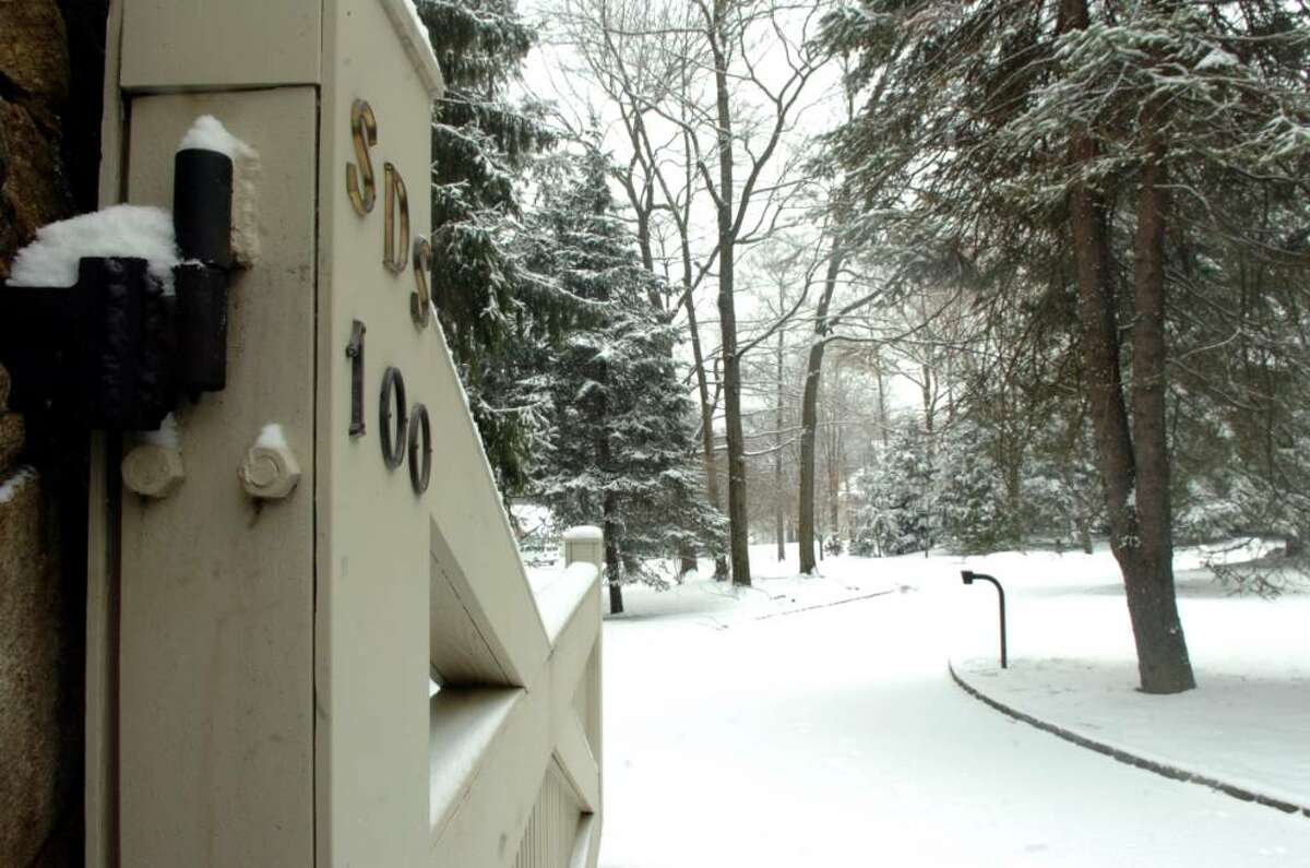 Greenwich, Dec. 31,2009. The driveway of 100 Sterling Road where a murder has taken place. Adam Dobrzanski is charged in killing his daughter Amanda, and attempted to commit suicide.