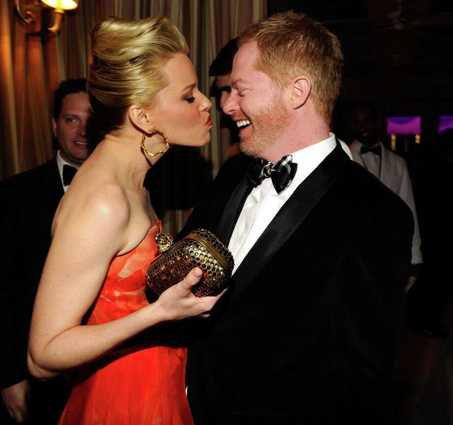 Elizabeth Banks and Jesse Tyler Ferguson attend the 2013 Vanity Fair Oscar Party hosted by Graydon Carter at Sunset Tower on February 24, 2013 in West Hollywood, California. Photo: Kevin Mazur/VF13, WireImage / 2013 Kevin Mazur/VF13