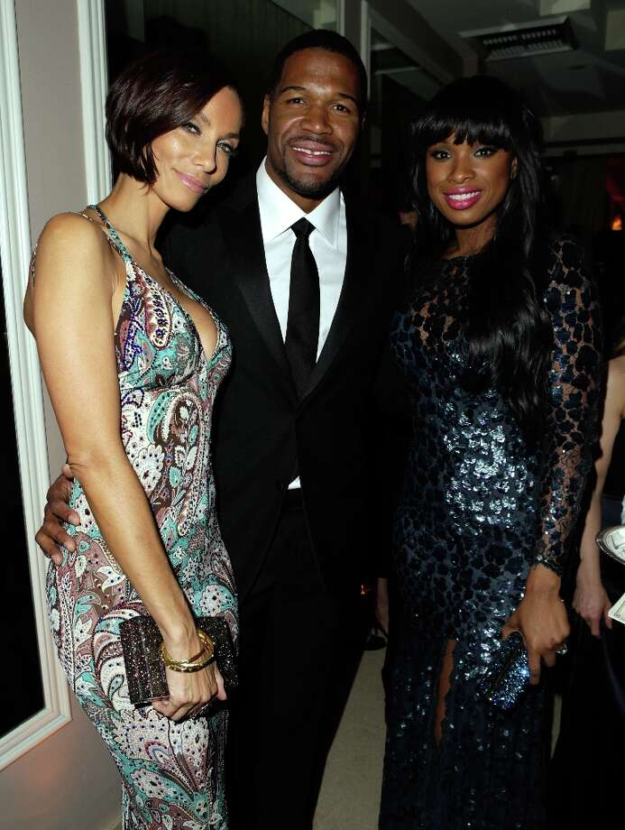 (L-R) Nicole Murphy, Michael Strahan and Jennifer Hudson attend the 2013 Vanity Fair Oscar Party hosted by Graydon Carter at Sunset Tower on February 24, 2013 in West Hollywood, California. Photo: Jeff Vespa/VF13, WireImage / 2013 Jeff Vespa/VF13