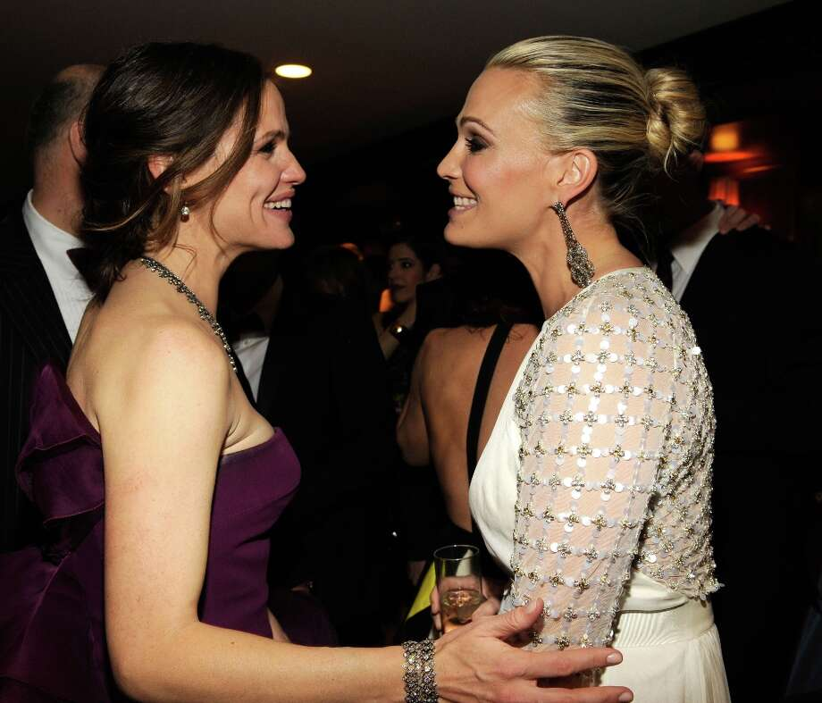 Jennifer Garner and Molly Sims attend the 2013 Vanity Fair Oscar Party hosted by Graydon Carter at Sunset Tower on February 24, 2013 in West Hollywood, California. Photo: Kevin Mazur/VF13, WireImage / 2013 Kevin Mazur/VF13