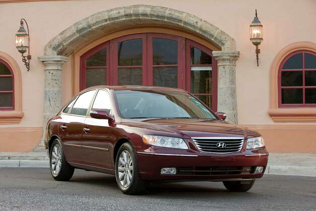 Large Sedan: 2006-2010 Hyundai Azera