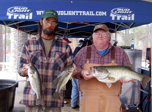 Bill Stark and David Morgan won 2nd place overall with 16.51 lbs, but took home Big Bass honors with their 9.32 lb kicker  Photo by Patty Lenderman, Lakecaster