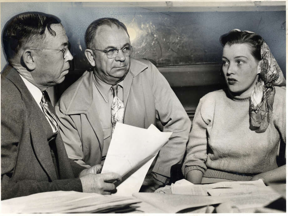 Winborn, Warneke and Lynnda Clark, chief witness in San Antonio holdup murder, March 1951. Photo: Caroline Valenta Houston Post 19 / Photo Scan