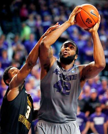 Who's hot:  Kansas State F-C Thomas Gipson, who is shooting 69.2 percent from the field and averaging 10.5 points in 20 minutes in his last two games. Photo: Orlin Wagner, Associated Press / AP
