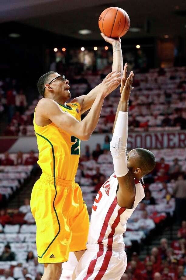 Not:  Baylor F Isaiah Austin, who notched only four rebounds in the Bears' loss against Oklahoma and is averaging 5.0 rebounds in his last four games. Photo: Sue Ogrocki, Associated Press / AP