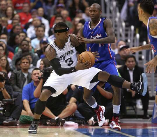 Stephen Jackson #3 of the Spurs controls the ball against Jamal Crawford #11 of the Los Angeles Clippers at Staples Center on Nov. 7, 2012 in Los Angeles. Photo: Stephen Dunn, Getty Images / 2012 Getty Images