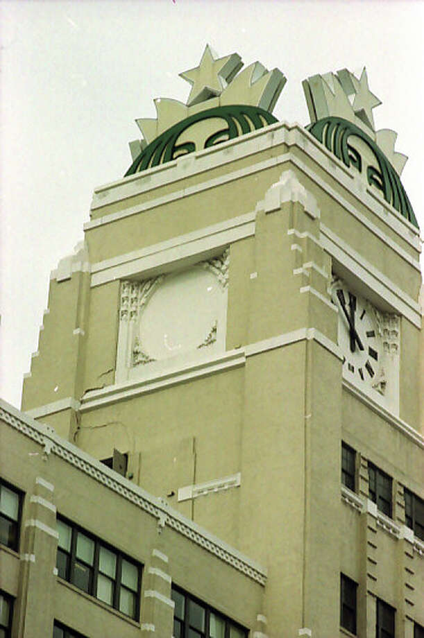 Here's another view of the Starbucks headquarters in Sodo after the Feb. 28, 2001 Nisqually earthquake. Photo: Don Marquis/MOHAI Seattle Post-Intelligencer Collection/seattlepi.com File