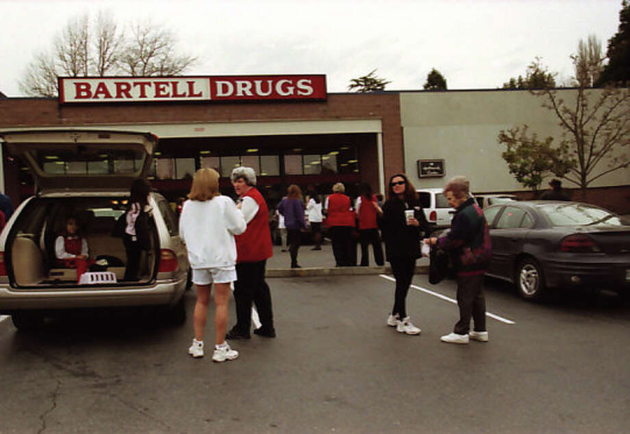 Here is an image from the Bartell Drugs in Magnolia shortly after the 2001 Nisqually earthquake. It has not previously been published. Photo: Phil H. Webber/MOHAI Seattle Post-Intelligencer Collection/seattlepi.com File