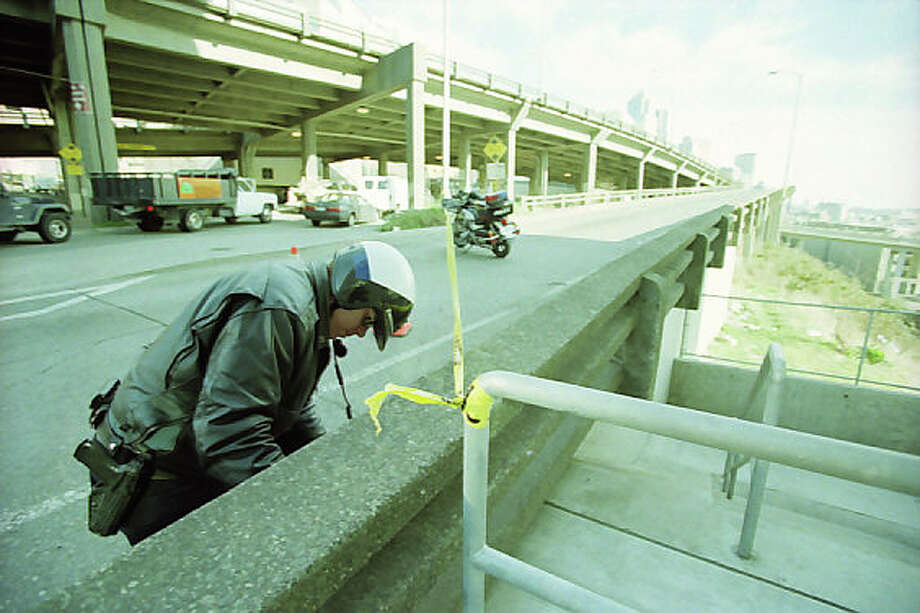 The Alaskan Way Viaduct, which cracked during the Feb. 28, 2001 Nisqually earthquake, was closed to drivers until inspectors could fully check the damage. Photo: Meryl Schenker/MOHAI Seattle Post-Intelligencer Collection/seattlepi.com File