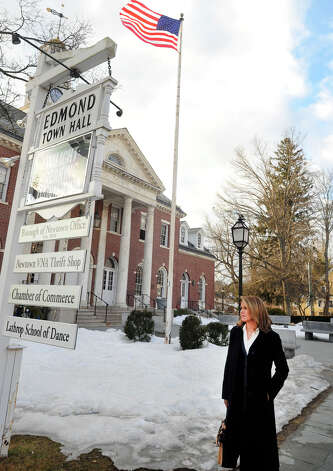 Katie Couric leaves Edmond Town Hall in Newtown, Conn. after taping a show about the Sandy Hook shootings, Monday, Feb. 25, 2013. Photo: Michael Duffy / The News-Times