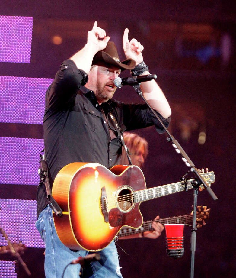 Toby Keith performs during the Houston Livestock Show and Rodeo at Reliant Stadium on Feb. 25. Photo: Melissa Phillip, Houston Chronicle / © 2013  Houston Chronicle