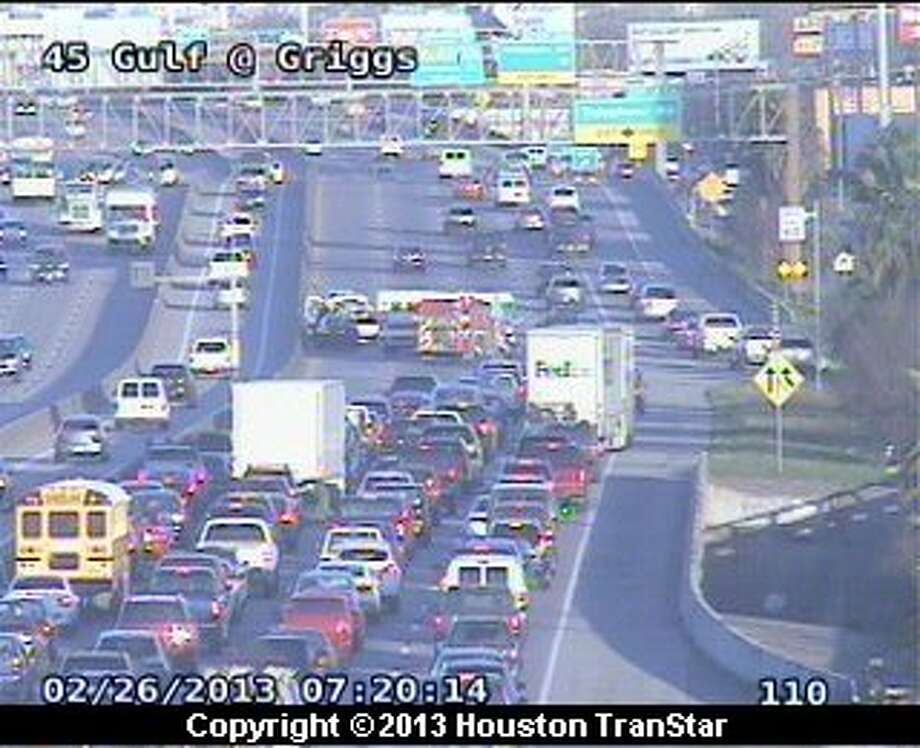 A wreck snarled traffic on the Gulf Freeway early Tuesday morning. Photo: Houston Transtar