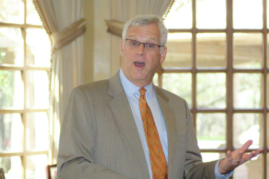 Alamo Colleges Chancellor Bruce Leslie addresses the luncheon meeting of the Leon Springs Business Association on Feb. 21. Photo: Joni Simon / For The Northwest W