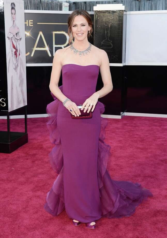 Actress Jennifer Garner arrives at the Oscars at Hollywood & Highland Center on February 24, 2013 in Hollywood, California. Photo: Jason Merritt, Getty Images / 2013 Getty Images