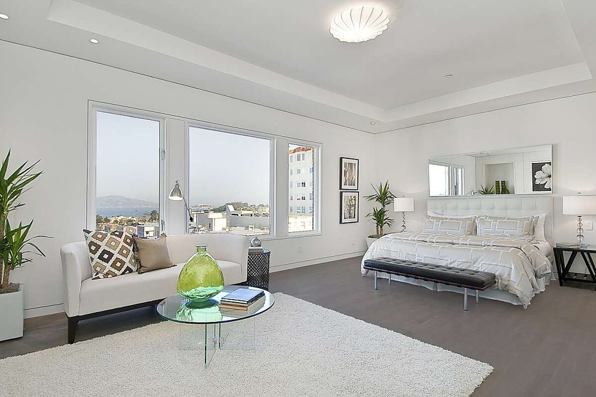 The home offers views of San Francisco Bay and the Marin Headlands.