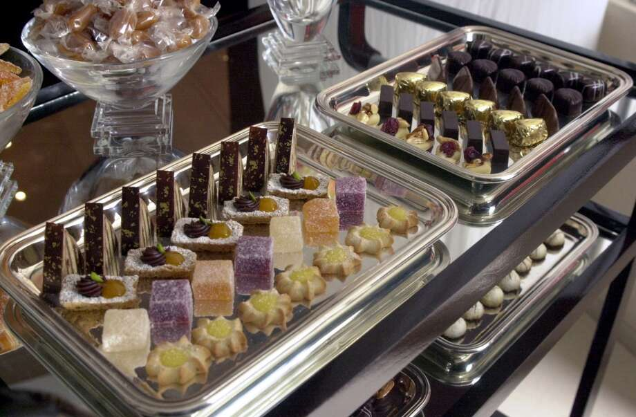 2002: Mignardise by pastry chef Keith Jeanminette.