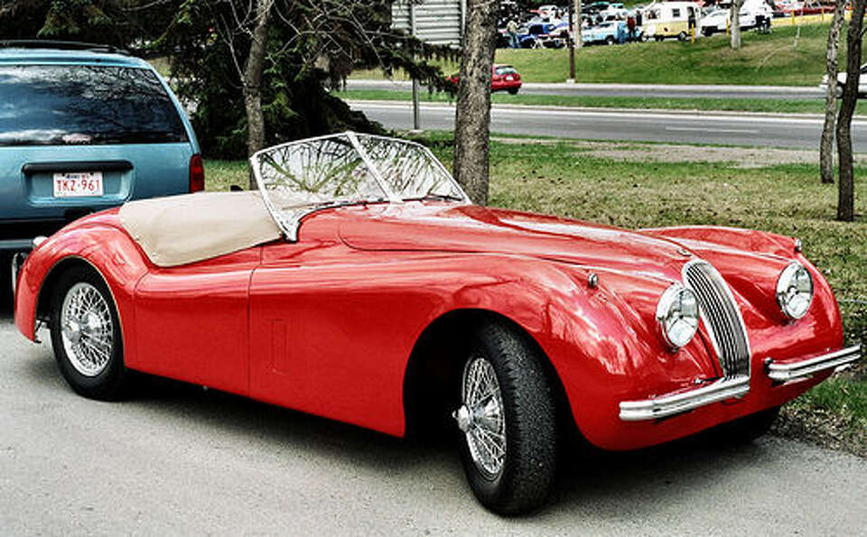 41. Jaguar XK120 (1948–1954) 