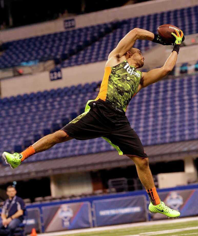 Iowa defensive back Micah Hyde attempts to make a catch. Photo: Dave Martin