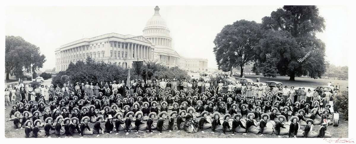 1938 Lassos at the U.S. Capitol.