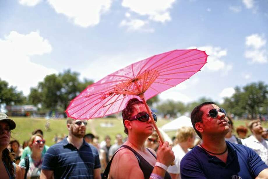 Bring your own shade.(Todd Spoth / For The Chronicle) Photo: Houston Chronicle