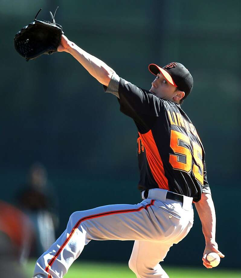 Tim Lincecum threw 22 strikes and 16 balls in 11/3 innings against the Dodgers. He gave up three runs. Photo: Lance Iversen, The Chronicle