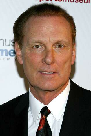 NBA great Rick Barry will be in town Saturday for a fund-raiser.