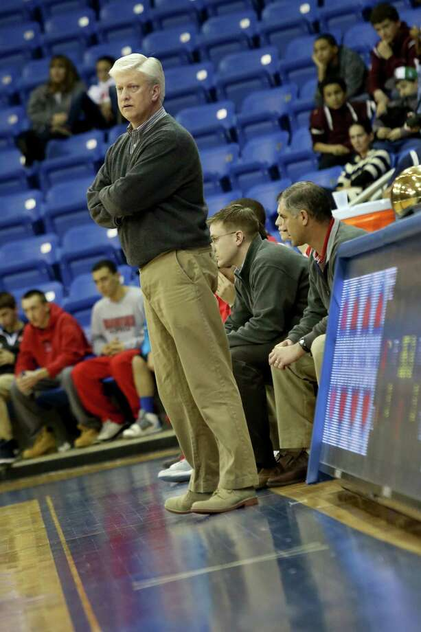 Mike Ross Connecticut Post freelance -Fairfield Prep Head Coach Leo Redgate works the sidleines during Tuesday evening SCC championship game against Hillhouse. Hillhouse would win 53-47. Photo: Mike Ross / www.mikerossphoto.com