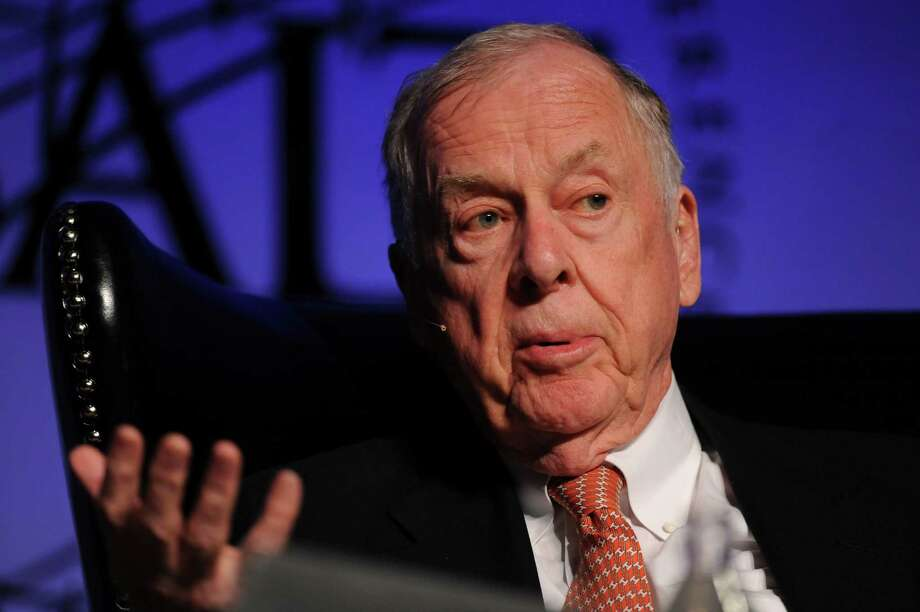 """T. Boone Pickens is urging """"fuel competition,"""" especially for motor fuels, to reduce OPEC's power over U.S. gasoline prices. Photo: Jacob Kepler, 1034262 / © 2012 Bloomberg Finance LP"""