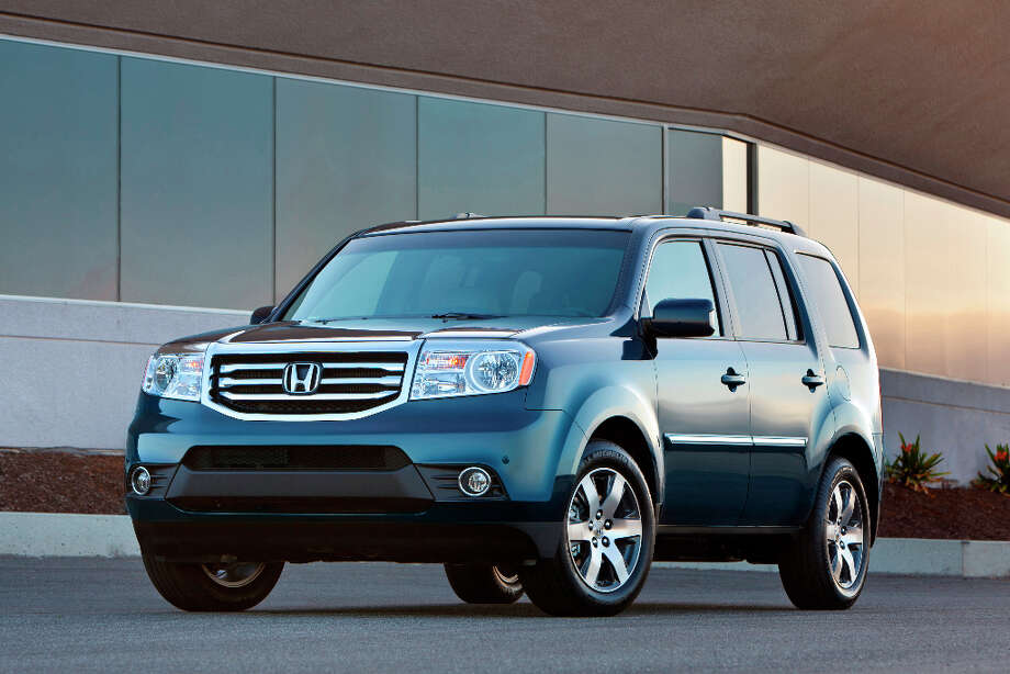Some might call this a crossover utility vehicle – CUV – but for now we'll stick with the older monicker of SUV. Photo: Honda, Wieck / © 2011 American Honda Motor Co., Inc.