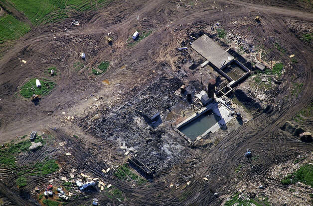 Aerial view of charred remains of Branch Davidian compound in Waco, burnt during showdown between FBI/ATF & David Koresh-led religious cult. Photo: Shelly Katz, Time & Life Pictures/Getty Image / Shelly Katz