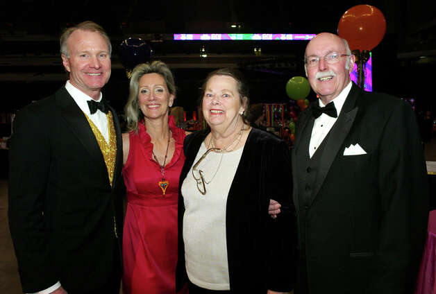 George Becknell (from left), Lori Becknell, Marcia Hanson and Bill Hanson Photo: LELAND A. OUTZ, For The Express-News / SAN ANTONIO EXPRESS-NEWS