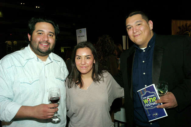 J.C. Carpenter (from left), Kristin Gonzaba and Andrew Chavez Photo: LELAND A. OUTZ, For The Express-News / SAN ANTONIO EXPRESS-NEWS