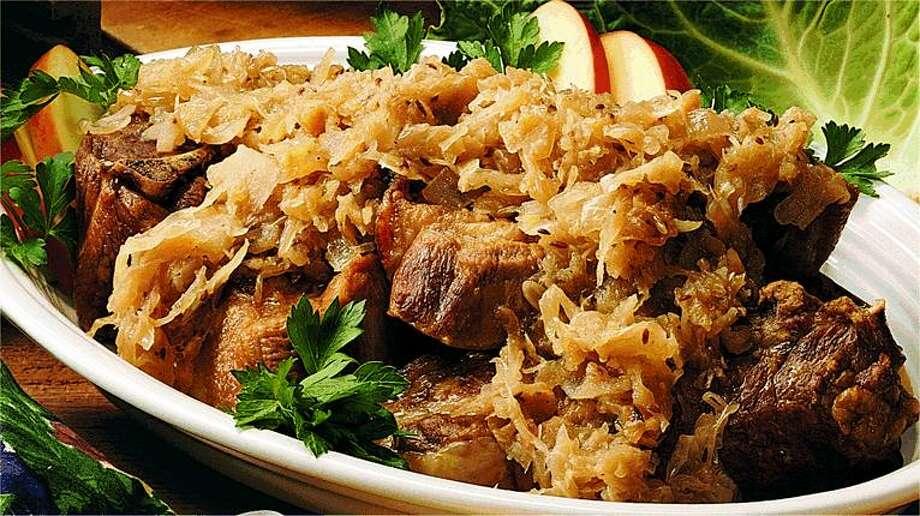 Country pork and sauerkraut/dvo.com