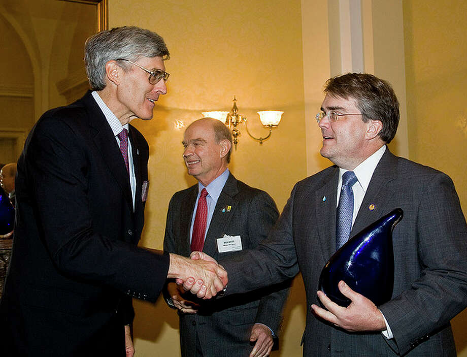 Congressman Culberson receives a Water Advocate award for his role in appropriating $300 million to fund the Water for the Poor Act from David Douglas of Water Advocates. The funds will be used primarily to deliver safe drinking water and sanitation to people in the developing world. (Water Advocates)