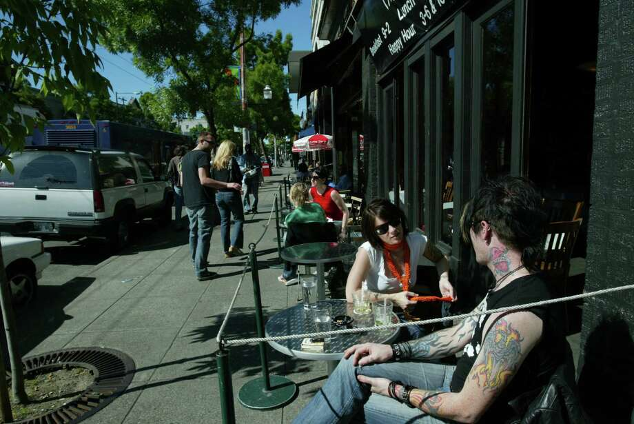 14. Café Septieme was a Capitol Hill favorite on Broadway. Photo is from 2005. Photo: Grant M. Haller, Seattle Post-Intelligencer / Seattle Post-Intelligencer