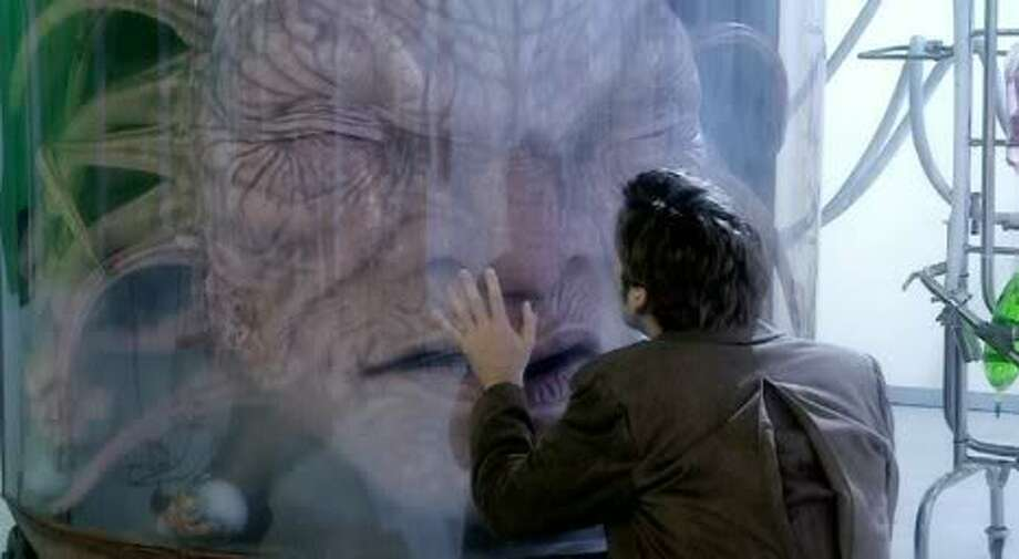 The face of boe, one of our favorite reaccouring characters in DW. After ages and ages of living and giving his wisdom and being a dear friend to the Doctor we witnessed his death.