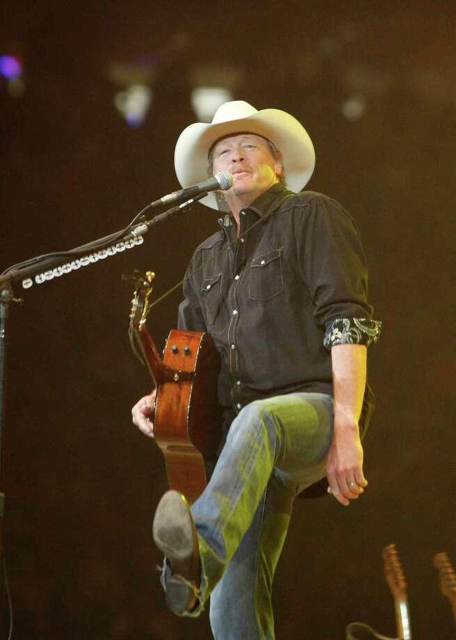 "Alan Jackson praised the ""nice crowd"" for a Wednesday night at the rodeo. Photo: Nick De La Torre, Staff / © 2013 Houston Chronicle"