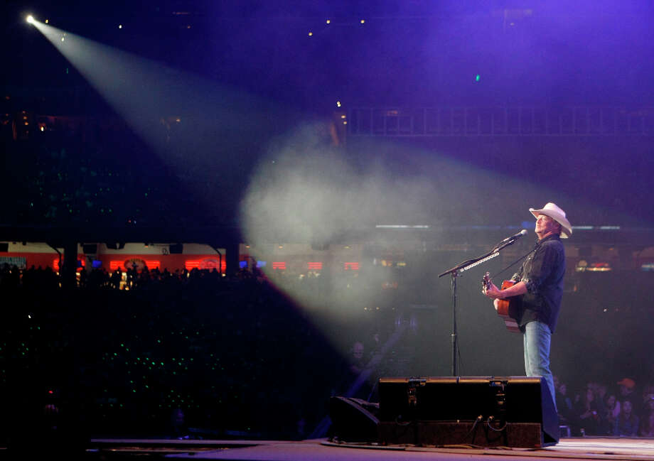 Alan Jackson performs for Rodeo Houston, Wednesday, Feb. 27, 2013, in Reliant Stadium in Houston. Photo: Nick De La Torre, Chronicle / © 2013 Houston Chronicle