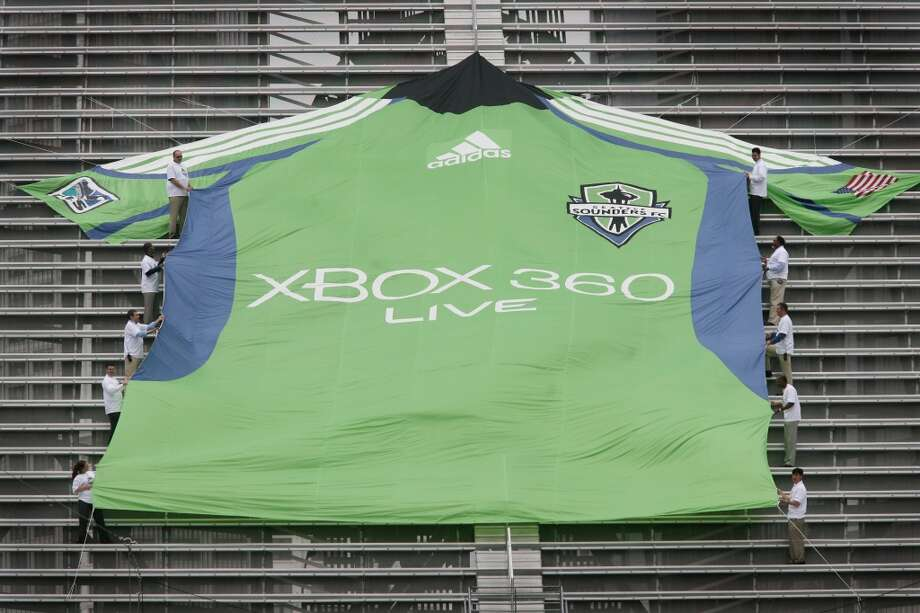 Sounders FC uniforms through timeWhen Seattle Sounders FC was first introduced as a Major League Soccer team in 2009, the uniform was unveiled with a giant jersey at what was then Qwest Field in Seattle. The first primary uniform was bright green with blue under-arm stripes.