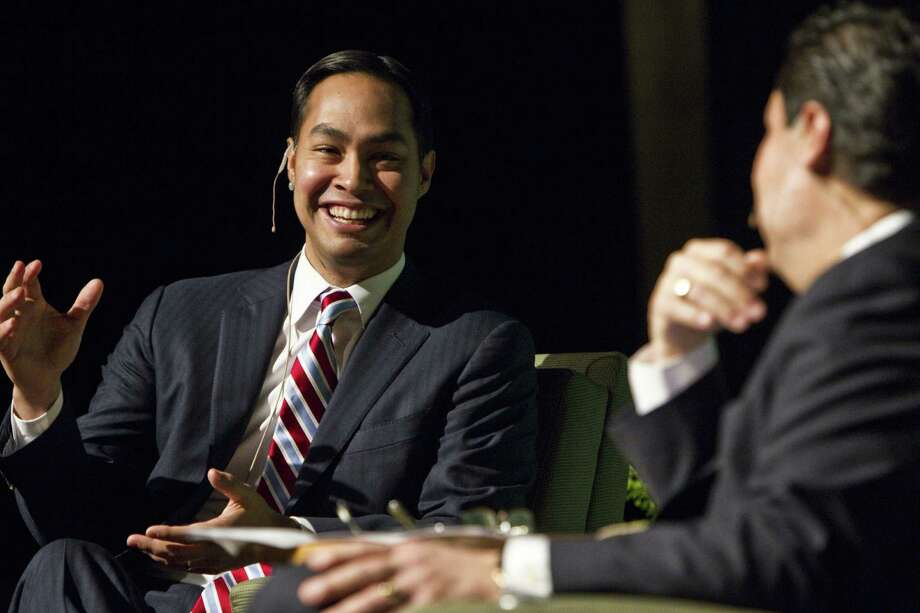 Mayor Julian Castro discusses his goals with Luis Fraga, his thesis adviser at Stanford University. The pair appeared on stage during a public forum at the University of North Texas in Denton. his former Photo: Brandon Wade / For The San Antonio Express-News