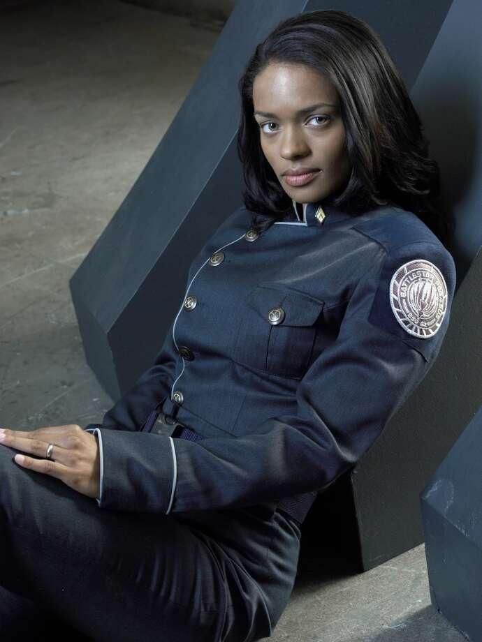 Kandyse McClureas Petty Officer Anastasia Dualla in Season 3.