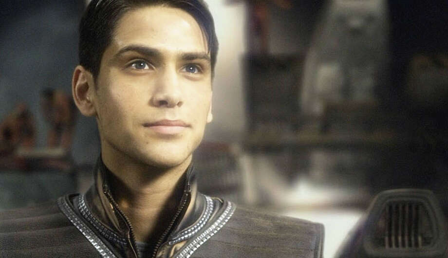 Luke Pasqualino as ambitious fighter pilot Ensign William Adama.  Photo: Syfy, Syfy/NBCU Photo Bank / 2013 Syfy Media LLC